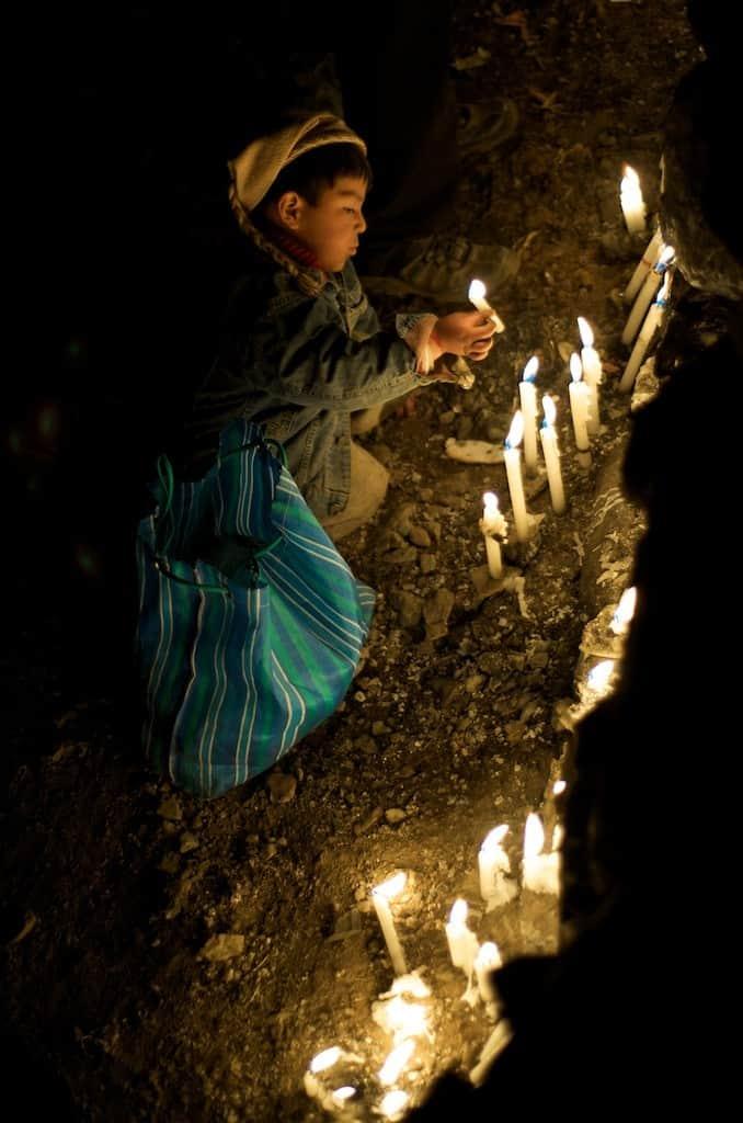 candles-sanctuary-qoyllur-riti-trek