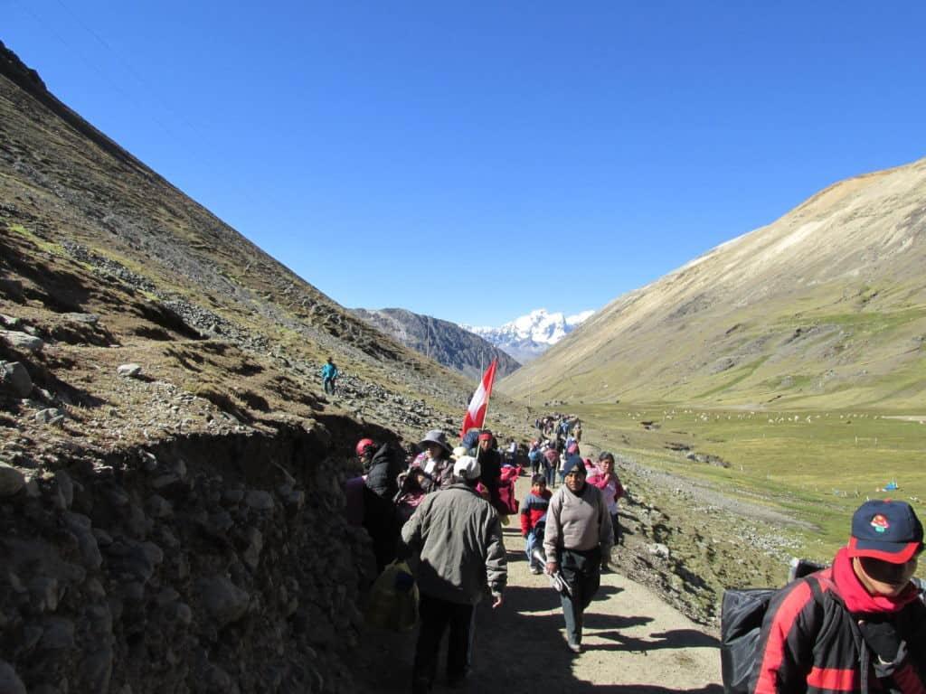 hiking-to-qoyllur-riti-pilgrimage