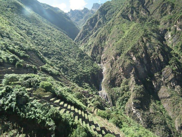 arriving-Choquequirao-ruins-trekking-Peru