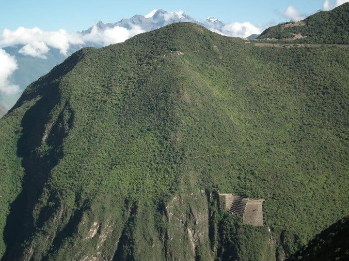 First-glimpse-Choquequirao-ruins-best-trekking-peru