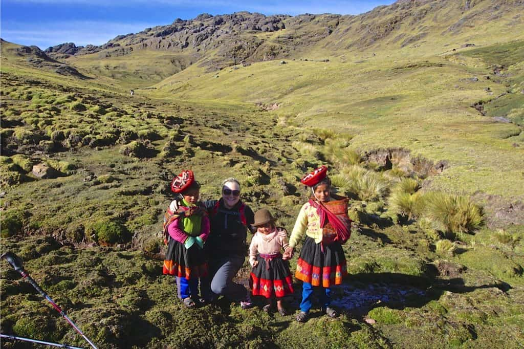 Local-girls-Lares-valley