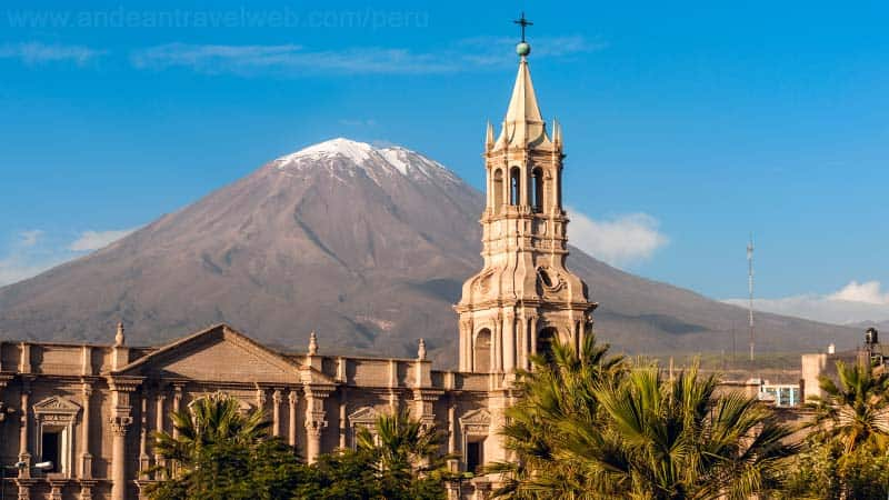 arequipa-cathedral-misti