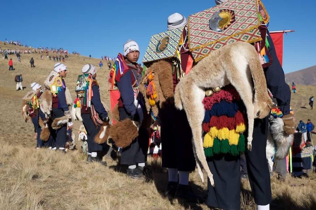 Qoylloriti pilgrimage