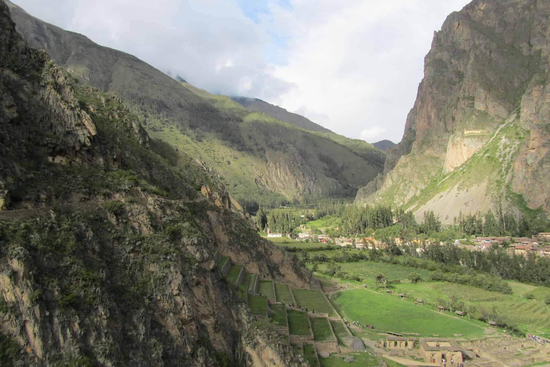 Descending to Sacred Valley Peru