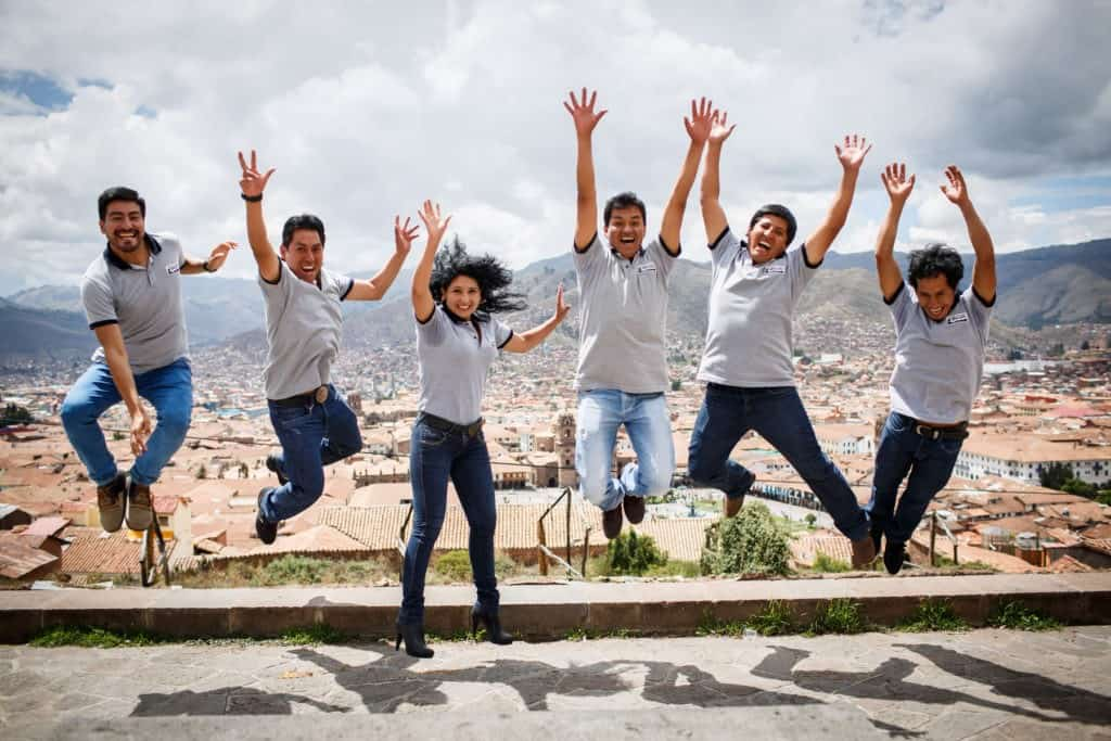 apus-peru-team-guides-jumping