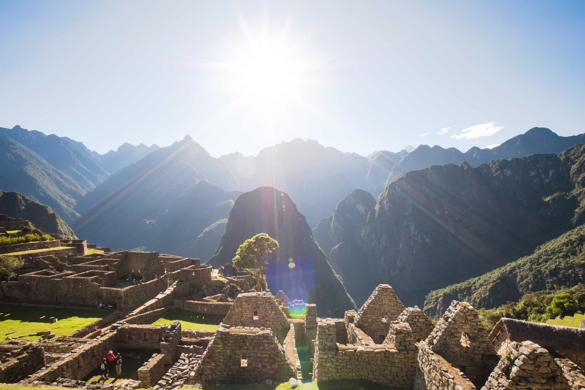 Sunny-view-of-Machu-Picchu