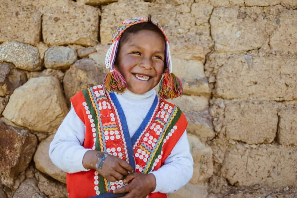 smiling-andean-child-Upis